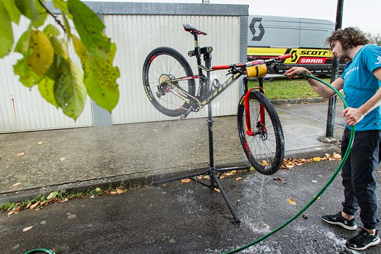 bike-wash-gallery-3-1-768x512
